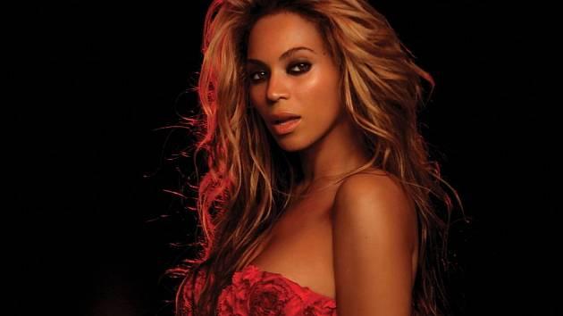 """Beyoncé vydala v pátek své první """"vizuální"""" album."""