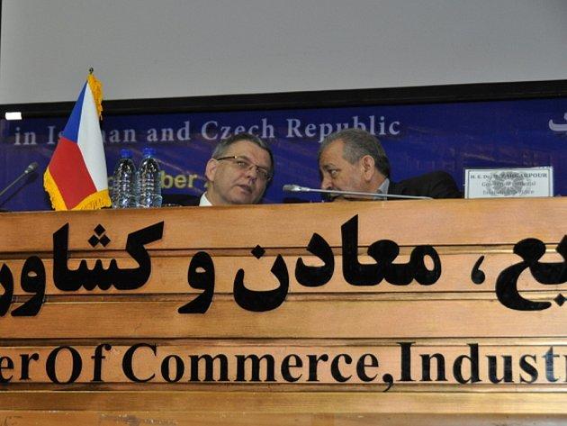 Ministr zahraničí Lubomír Zaorálek dnes v íránském Isfahánu zahájil podnikatelské fórum, kde se zástupci českých firem pokoušejí najít obchodní partnery na osmdesátimilionovém íránském trhu.