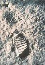 První stopa člověka na Měsíci.