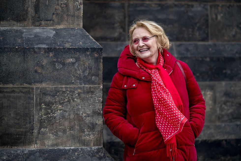 Herečka Regina Rázlová