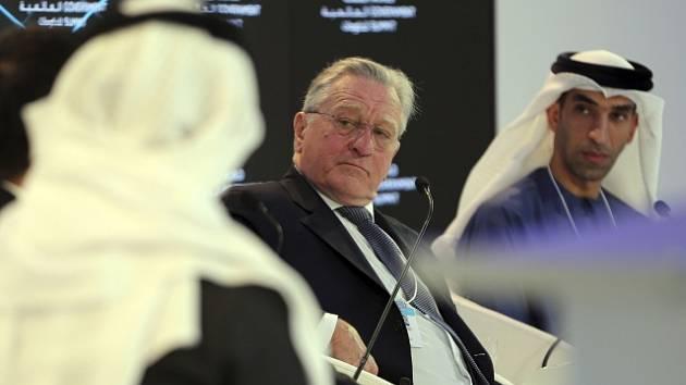 Robert De Niro na vládní konferenci v Dubaji