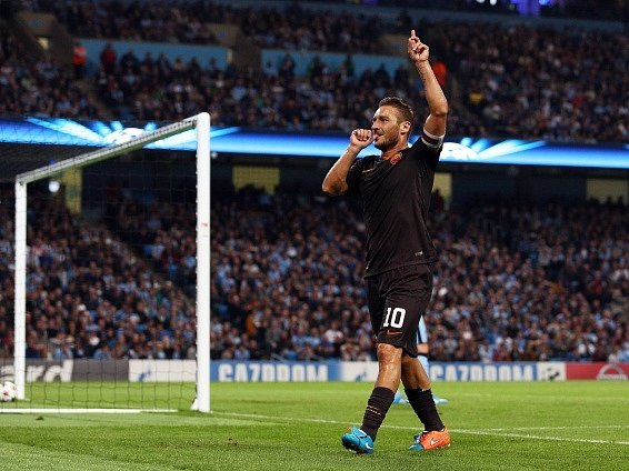 Francesco Totti slaví rekordní gól