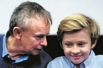 Režisér Juraj Nvota a Richard Labuda, vnuk slavného herce, který hraje hlavní dětskou roli.