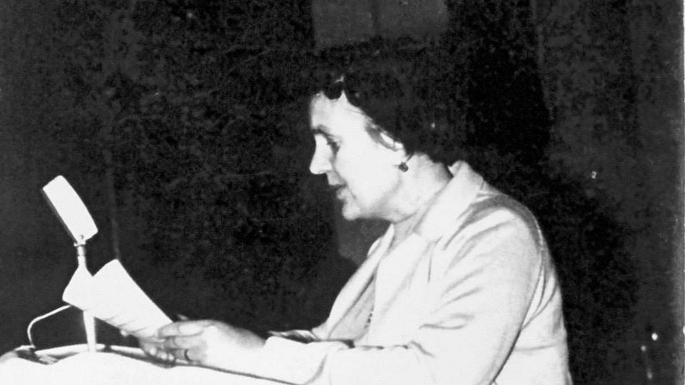 Anna Honová Krmenčíková za mlada