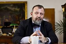 Ředitel hradního zahraničního odboru Hynek Kmoníček poskytl 20. března na Pražském hradě rozhovor Deníku.