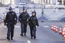 Při úterních atentátech v Bruselu na letišti Zaventem a v metru, ke kterým se přihlásila organizace Islámský stát, přišly o život přinejmenším tři desítky lidí.