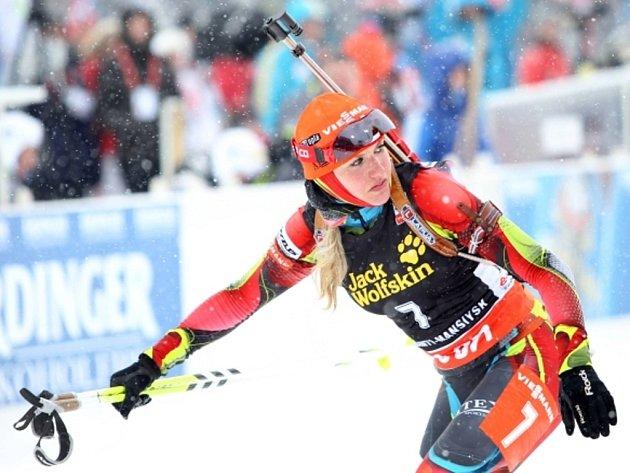Biatlonistka Gabriela Soukalová ve finále SP v Chanty Mansijsku.