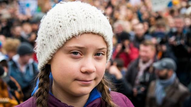 Švédská aktivistka Greta Thunbergová v německém Hamburku na  studentské demonstraci za zlepšení klimatu na snímku z 1. března 2019