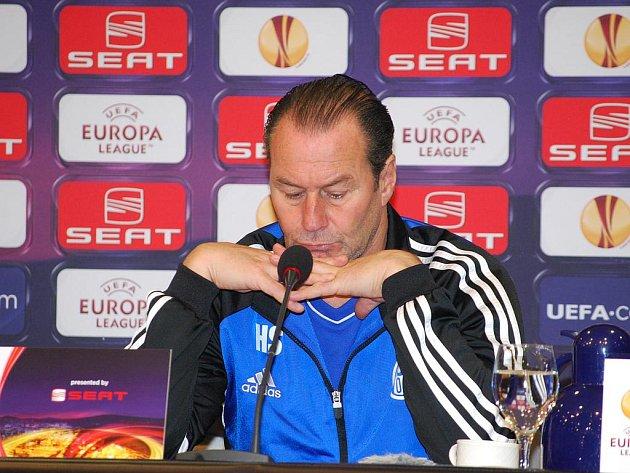 Trenér Schalke Hubb Stevens neví, co od hry Plzně očekávat.