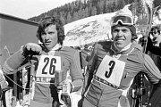 Českoslovenští sjezdaři Bohumír Zeman (vlevo) a Miloslav Sochor na ZOH v Innsbrucku v roce 1976