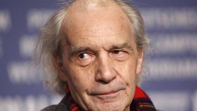 Francouzský režisér Jacques Rivette.