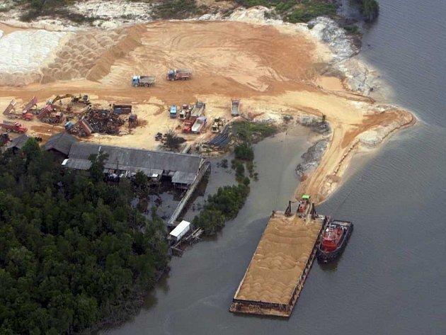 Singapur díky dováženému písku stále rozšiřuje svoje území.