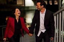 ŽIVOT TÉ DRUHÉ. Juliette Binoche a Mathieu Kassovitz jako manželé, kteří se snaží najít ztracené milenecké chvíle.