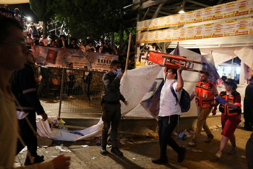 Tlačenice na poutním místě v Izraeli si vyžádala desítky životů.