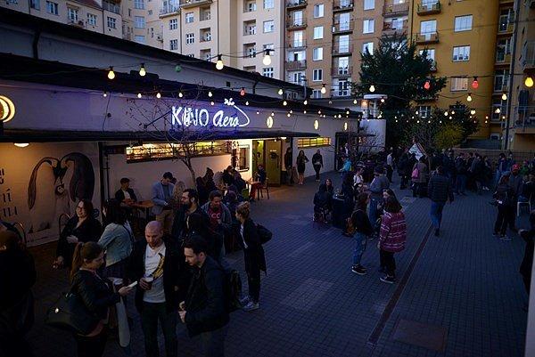 Kino Aero - večer
