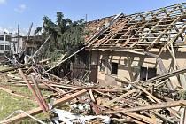 Poničené domy v Moravské Nové Vsi
