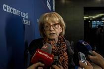 Sledování výsledků krajských a senátních voleb ve volebním štábu ANO, 8. října v Praze. Helena Válková