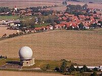 """Pozor! Otázka radaru """"může velmi zkomplikovat vztahy mezi Evropou a Ruskem,"""" říká šéfka Evropského institutu pro bezpečnostní studia Nicole Gnesottová."""