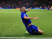 Islam Slimani z Leicesteru se raduje z gólu proti FC Porto.