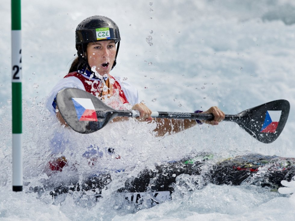Kajakářka Kateřina Kudějová ve finále olympijského závodu v Riu.