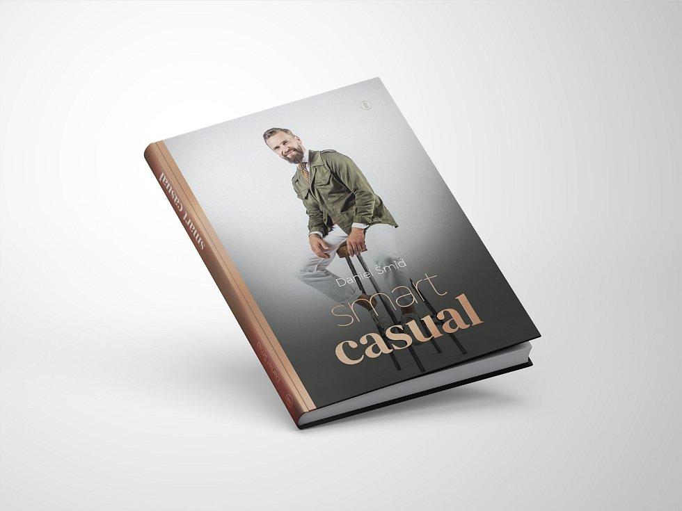 Daniel Šmíd vydal knihu Smart Casual.