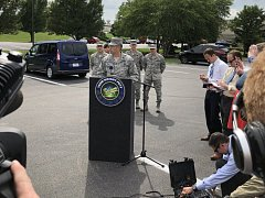 Plukovník základny amerických vzdušných sil Tom Sherman vysvětluje, že se nic nestalo