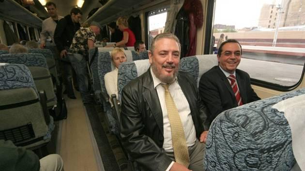 Nejstarší syn někdejšího kubánského vůdce Fidel Castro Díaz-Balart (uprostřed).