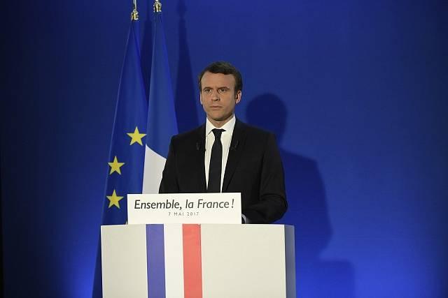 Emmanuel Macron při svém projevu k volebnímu štábu