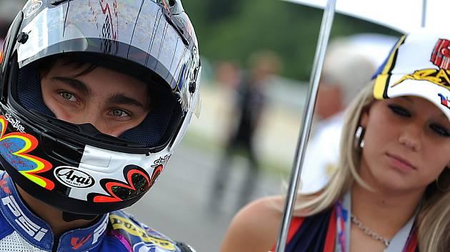 Karel Abraham na startu závodu třídy do 250 ccm.