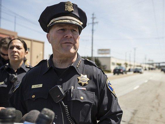 Sanfranciský policejní šéf Greg Suhr ve čtvrtek rezignoval jen několik hodin poté, co jeden z členů sboru zastřelil černošku.