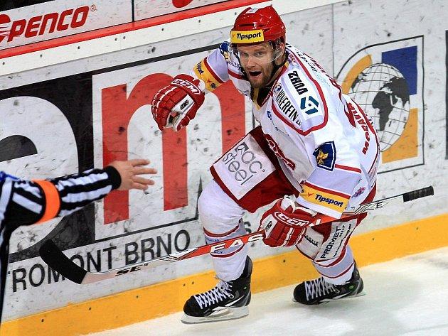 Martin Růžička z Třince slaví gól.