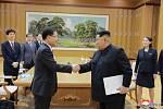 Setkání jihokorejské delegace s Kim Čong-unem v Pchjongjangu.