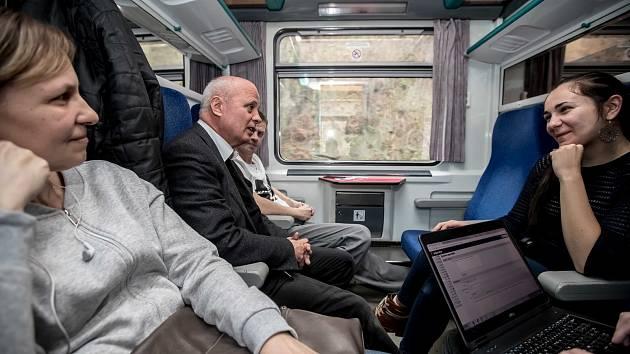 Šestice prezidentských kandidátů ve vlaku