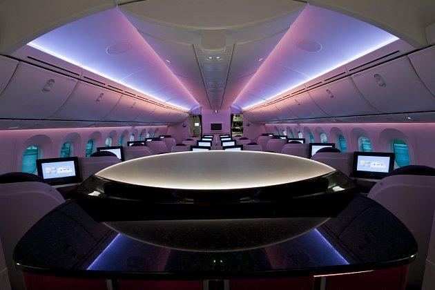 Boeing 787řečený Dreamliner vbarvách společnosti Qatar Airlines
