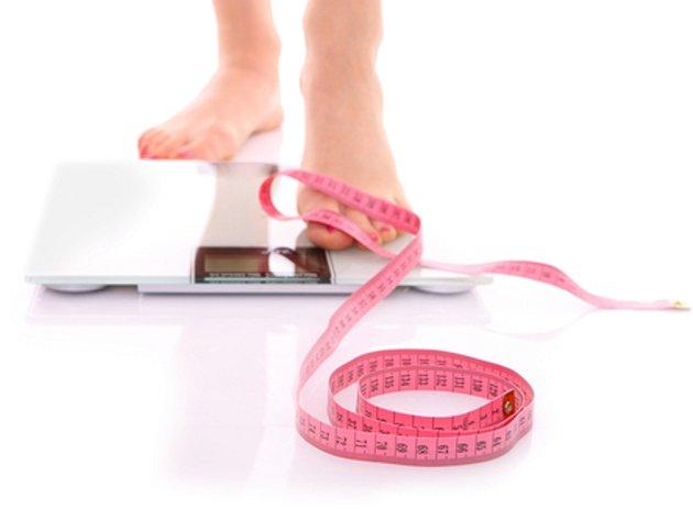 Nová americká studie zveřejněná v prestižním časopise Nature zasadila těžkou ránu zastáncům teorie, podle které je výrazné omezení přísunu kalorií cestou k dlouhověkosti.