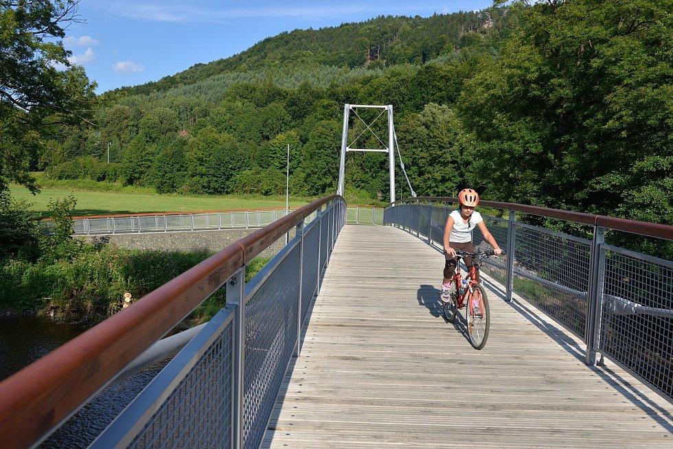 Greenway Jizera - na Malé Skále čekají na cyklisty i přejezdy řeky Jizery.