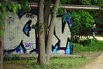 Místo, kde se v berlínském parku Teirgarten scházejí mladiství prostituti.