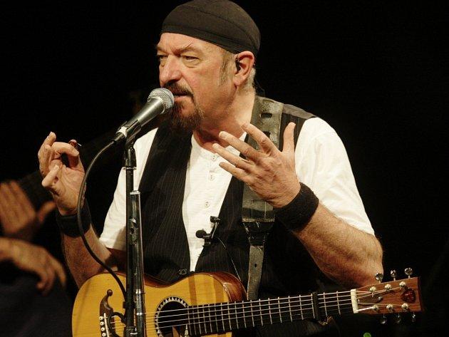 Britský zpěvák, hudebník, skladatel a lídr kapely Jethro Tull Ian Anderson příští rok v Praze představí v české premiéře rockovou operu.
