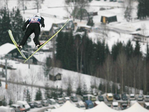 Skoky na lyžích v Harrachově.