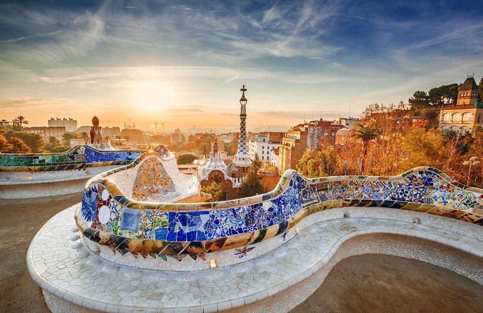 Barcelona. Nejnavštěvovanější španělské město projednává kvůli přílišnému množství turistů zákaz výstavby dalších hotelů