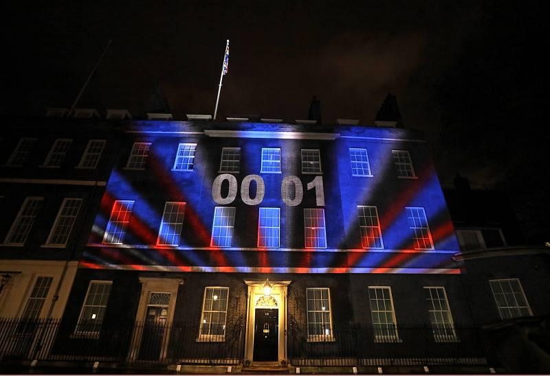 Příchod brexitu odpočítávala videoprojekce.