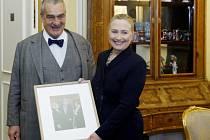 Karel Schwarzenberg přivítal 3. prosince v Praze Hillary Clintonovou.