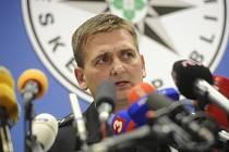 Policejní prezident Martin Červíček vystoupil 24. září v Praze na tiskové konferenci k dosavadním výsledkům vyšetřování metanolové aféry.