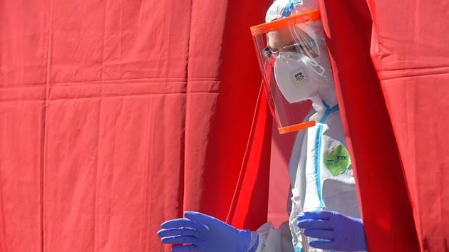 Odběrové místo na testování nákazy koronavirem - ilustrační foto