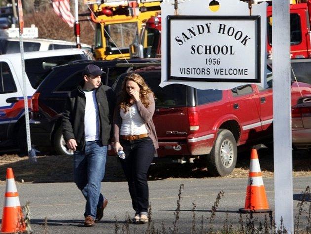 Masakr v základní škole v Newtownu v americkém státě Connecticut.