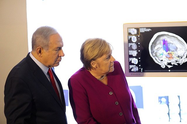 Německá kancléřka Angela Merkelová s izraelským premiérem Benjaminem Netanjahuem při návštěvě Jeruzaléma