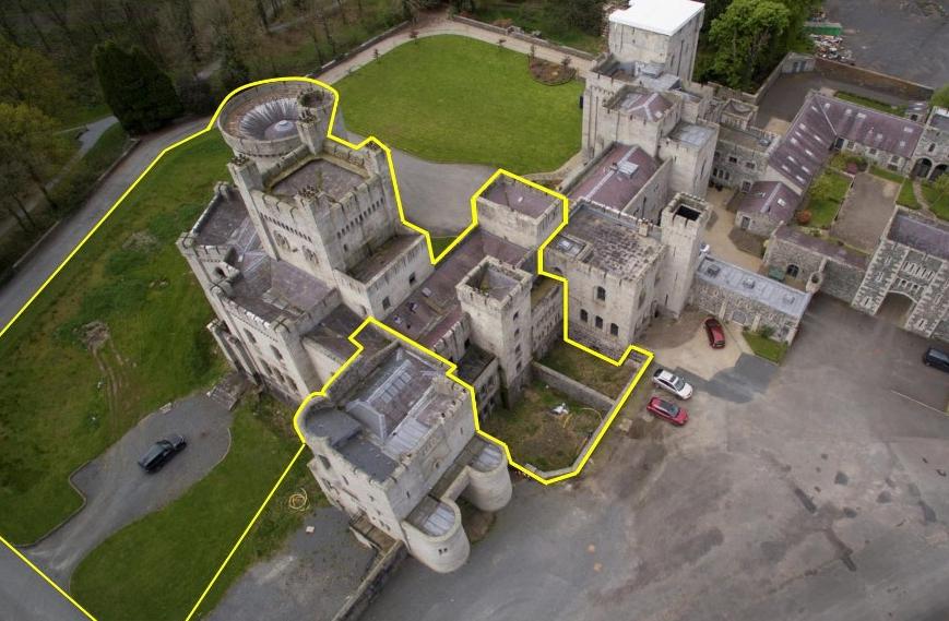 Část Gosford Castle, která je na prodej