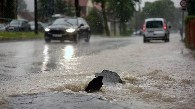 Zaplavená silnice. Ilustrační foto