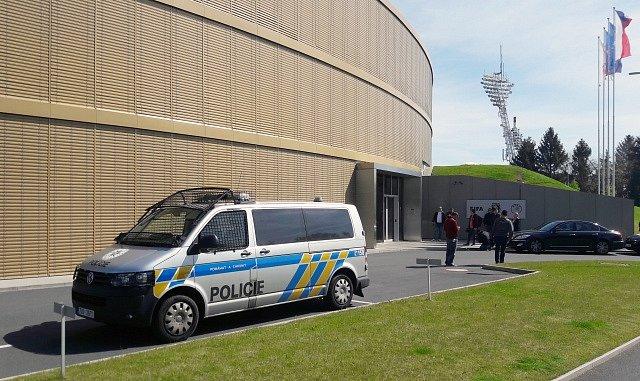 Policie zasahuje v sídle FAČR na pražském Strahově
