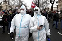 Protest odpůrců opatření ve Vídni